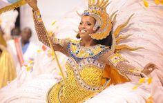 Veja fotos do 1º dia de desfiles do carnaval em São Paulo