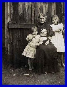 Ellen Kelly, Ned Kelly's mother (in later life) Ned Kelly, Hermann Hesse, Old Pictures, Old Photos, Vintage Pictures, Australian Bush, Australian People, Teaching History, World War One