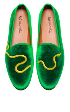 Del Toro Prince Albert Green Velvet Slipper Loafers With Snake Embroidery