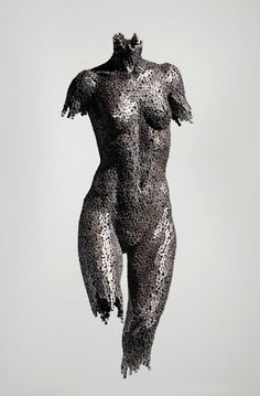 Beautiful sculptures from bike chains....amazing