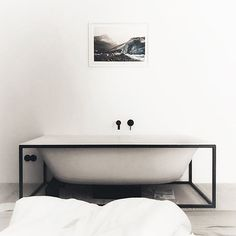 Relax in style with a bathtub in your sleeping room. @meikel - our BetteLux Shape free-standing bath fits in perfectly. #betteliving #bette #bettebathroom #bettelux #betteluxshape #creatingspaces #bath #bathtub #industrialdesign #industrialinterior #bathroomdesign #interior #interiordesign #homedesign #newhome #hausbau #minimalinterior #minimalisticdesign #homedesign #homeinspo #homedecor #interiorinspiration #interiorinspo #interiorstyling #interi