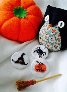 Lot de 3 Pins badge broche Halloween citrouille chapeau de
