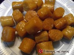 Great recipe for Kourkoumpinia. A classic and favourite recipe from Vefa Alexiadou. Recipe by feggaraki Egg Free Desserts, Sweets Recipes, Fun Desserts, Baking Recipes, Greek Sweets, Greek Desserts, Greek Recipes, Cypriot Food, Greece Food