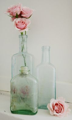 copyright Anne Lorys Photography, Romantic Homes Magazine Shabby Chic Cottage, Shabby Chic Homes, Shabby Chic Decor, Antique Bottles, Vintage Bottles, Bottles And Jars, Glass Bottles, Mason Jars, Vase Transparent