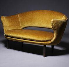 Finn Juhl; Sofa for Søren Willadsen, 1950.
