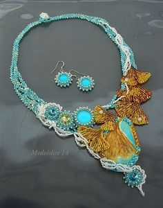 necklace and earrings set by medvedice