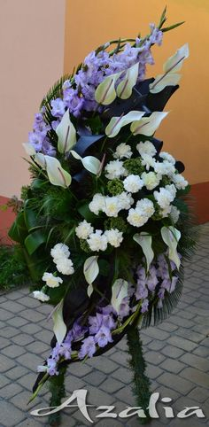 Funeral Floral Arrangements, Church Flower Arrangements, Casket Flowers, Funeral Flowers, Exotic Flowers, Amazing Flowers, Funeral Caskets, Modern Floral Design, Memorial Flowers