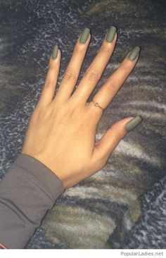 awesome-olive-gel-nails