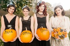 Fall Wedding Ideas – Pumpkins painted Here Comes the Bride. I don't love the idea of black dresses though. the pumpkin idea on the other hand is awesome! Fall Pumpkin Wedding, Thanksgiving Wedding, Fall Wedding, Rustic Wedding, Our Wedding, Dream Wedding, Wedding Stuff, Autumn Weddings, Orange Wedding