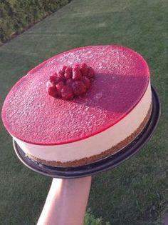 Rabarbercheesecake med hallonspegel - blir 4-5 dl kompott - ta ut 20 min före servering