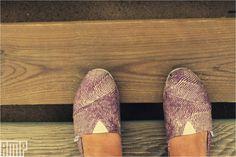 made for walking Toms, Walking, Tumblr, Sneakers, Fashion, Tennis, Moda, Slippers, Fashion Styles