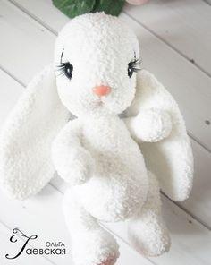 amigurumi Bunny pattern, white Bunny crochet pattern, how to crochet Bunny, plush rabbit crochet - Dekor Crochet Deer, Crochet Bunny Pattern, Crochet Rabbit, Easy Crochet Patterns, Crochet Animals, Crochet Toys, Free Crochet, Amigurumi Doll Pattern, Stuffed Toys Patterns