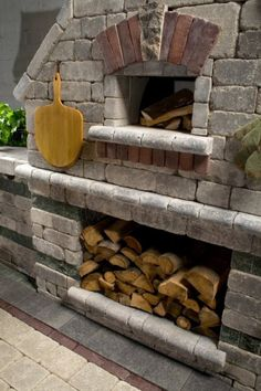 Pizza Oven featuring Unilock Brussels Dimensional wall and Il Campo paver - Photos Concrete Patios, Bbq Area, Backyard Bbq, Brussels, Garden Inspiration, Barbecue, Outdoor Living, Oven, Projects To Try