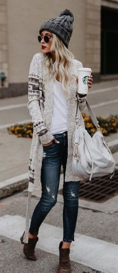 Gray bobble beanie + printed cardigan and ripped jeans
