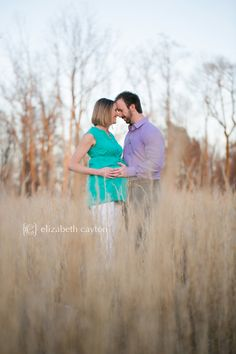 grassy field, maternity session - Elizabeth Cayton Photography - Greenville NC Portrait & Wedding Photographer