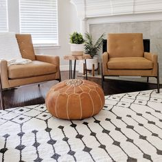Designed by @rqcharminghomes We Are Love, Sitting Area, Cozy House, Decor Styles, Accent Chairs, Ottoman, Sweet Home, Area Rugs, White Rugs