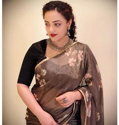 Nithya Menen Hot HD Photos & Wallpapers for mobile South Indian Actress Photo, Indian Actress Photos, Indian Actresses, Stylish Girls Photos, Girl Photos, Hd Photos, Most Beautiful Indian Actress, Beautiful Actresses, Beautiful Celebrities
