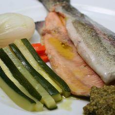 Truchas al pesto con verduras para #Mycook http://www.mycook.es/receta/truchas-al-pesto-con-verduras/