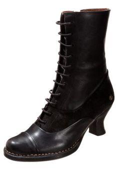 ROCOCO - Snørestøvletter - ebony Quoi Porter, Black Dahlia, Gothic Steampunk, Combat Boots, Stockings, Socks, Footwear, Everyday Steampunk, How To Wear