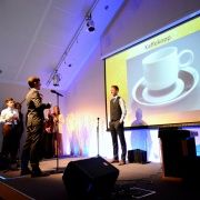 """Å forklare """"kaffekopp"""" uten å bruke selve ordet, viser seg å være vanskeligere enn ventet #beger"""