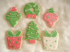 I Love it!!!  Pink and Green Christmas