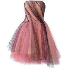 Oscar de la Renta tulle strapless dress (145.365 CZK) ❤ liked on Polyvore featuring dresses, платья, pink, strapless cocktail dresses, pink strapless dress, pink cocktail dress, red dress and red cocktail dress