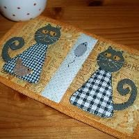 ~ Quilting: Black-and-White Cats Mug Rug
