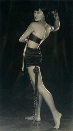 retrogasm:  Anna May Wong   Strangely enough, Anna May Wong was more famous for her beautiful hands.