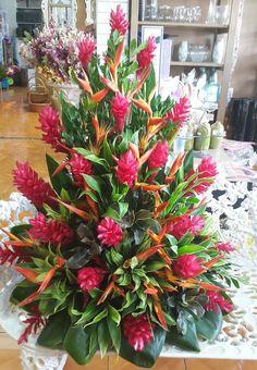 tropical flower arrangements wedding centrepieces - Go… Altar Flowers, Church Flowers, Funeral Flowers, Hotel Flower Arrangements, Beautiful Flower Arrangements, Beautiful Flowers, Exotic Flowers, Tropical Flowers, Hotel Flowers