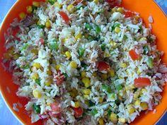 La meilleure recette de Salade de riz! L'essayer, c'est l'adopter! 4.3/5 (3 votes), 0 Commentaires. Ingrédients: 200 g de riz,    2 oeufs durs,    une boîte de thon,    un  poivron vert,   une petite boîte de maïs (200 g),    2 grosses tomates,huile, vinaigre,