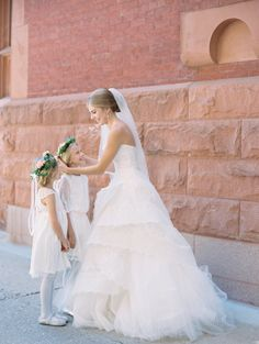 How sweet is this moment? http://www.stylemepretty.com/vault/gallery/38529 | Photography: Abby Jiu - http://abbyjiu.com/
