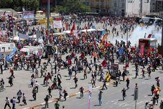Polis çekilirken gaz attı -Taksim Gezi Park 11.06.2013