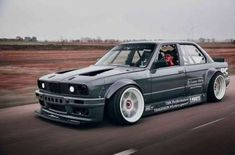 Drift # not the average BMW ? Second generation of the BMW 3 Series Coupe? Second generation of the 3 Series BMW model line. Bmw E30 325, E28 Bmw, Bmw Alpina, E46 M3, Bmw E30 Coupe, Bmw E30 Cabriolet, Bmw Autos, Logo Bmw, Bmw Tuning