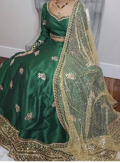 Indian Suits, Punjabi Suits, Indian Dresses, Indian Wear, Indian Couture, Green Silk, Anarkali Suits, India Fashion, Wedding Outfits