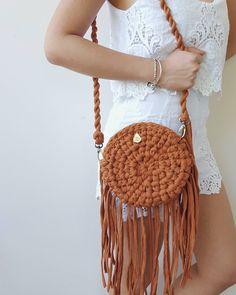 Crochet Cute Bags, Beach Bag, and Handbag Image Pattern for crochet bags purses; crochet bag for beginners; crochet bag for Bag Crochet, Crochet Shell Stitch, Crochet Clutch, Crochet Handbags, Crochet Purses, Love Crochet, Crochet Stitches, Crochet Baby, Crochet Patterns