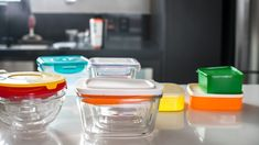 New California law allows diners to bring their own containers for restaurant leftovers Airtight Food Storage Containers, Glass Food Storage, Plastic Pollution Solutions, Container Restaurant, California Law, Bulk Food, Dog Bag, Nutrition And Dietetics