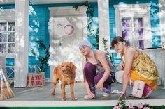Onneli, Anneli ja Salaperäinen muukalainen -elokuva perustuu Marjatta Kurenniemen rakastettuun lastenkirjaan Onneli, Anneli ja orpolapset. Elokuvassa Onneli ja Anneli ovat kaksi ihan tavallista tyttöä, ehkä vain hieman onnellisempia kuin monet muut, onhan heillä satumainen mahdollisuus asua kahdestaan rouva Ruusupuun heille suunnittelemassa talossa Ruusukujalla. #tampere #elokuva #finnkino #Onneli #Anneli Monet, Lily Pulitzer, Art, Fashion, Art Background, Moda, Fashion Styles, Kunst, Performing Arts