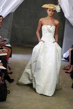 Amazing Carolina Herrera dress!