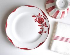 white with red plates | Vintage Plates- Oh how I LOVE LOVE red and white