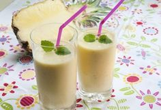Tropisk sommer-smoothie Panna Cotta, Smoothies, Pudding, Mango, Drinks, Ethnic Recipes, Desserts, Food, Pineapple