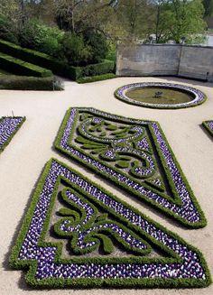 Château de Versailles (photo by Didier Saulnier) Versailles Paris, Versailles Garden, Garden Paths, Garden Art, Garden Design, European Garden, Victorian Gardens, Garden Architecture, Formal Gardens