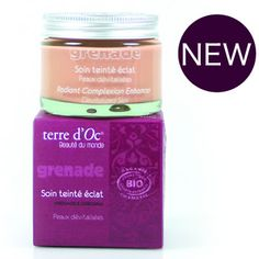 This definately gives your face a glow and is just perfect underneath the terre d'Oc mineral foundation powders.