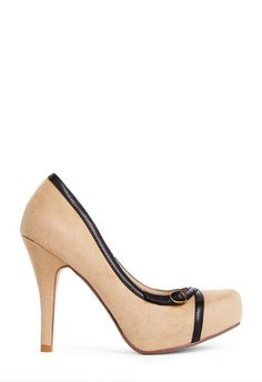 Keep things sophisticated with Polli a retro pump to wear to your 9 to 5. l JustFab