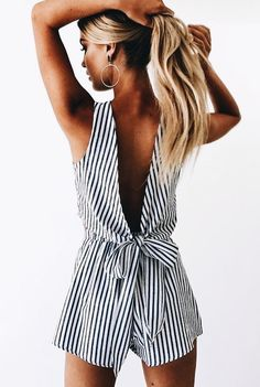Love this backless playsuit Stylish outfit ideas for women who love fashion! Fashion Mode, Look Fashion, Womens Fashion, Fashion Trends, Ladies Fashion, Fashion 2017, Feminine Fashion, 90s Fashion, Classic Fashion