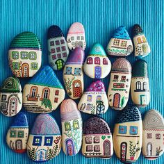 Easy Paint Rock For Try at Home (Stone Art & Rock Painting Ideas) Rock Painting Ideas Easy, Rock Painting Designs, Paint Designs, Pebble Painting, Pebble Art, Stone Painting, Stone Crafts, Rock Crafts, Arts And Crafts