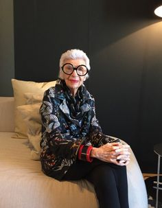 Rencontre avec Iris Apfel, cette icône de la mode de 94 ans
