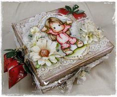 Tina and Magnolia: Summer Strawberry Tilda