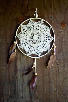 dream catcher. Could this be done with decorative stitches or embroidery?