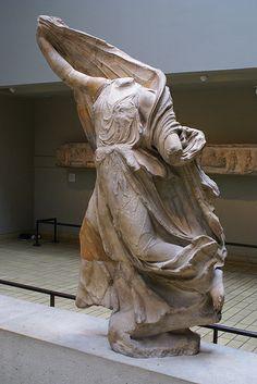 Nereida. Monumento de las Nereidas (380 a. C.) Procedente de Xantos, Licia en Turquía. Museo Británico.