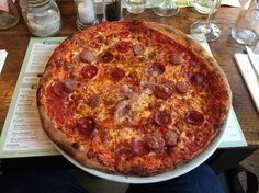 Hauptgang: Pizza Arrabiata im tialini in Stuttgart . Lust Restaurants zu testen und Bewirtungskosten zurück erstatten lassen? https://www.testando.de/so-funktionierts